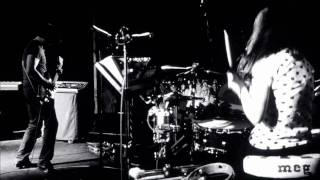 """http://whitestripes.com HD Clip of The White Stripes performing """"Ic..."""