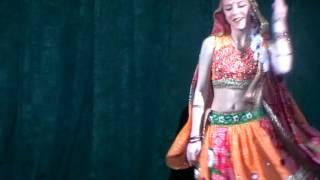 Victoria Anisimova Performing Bollywood dance  Jhumka Gira Re