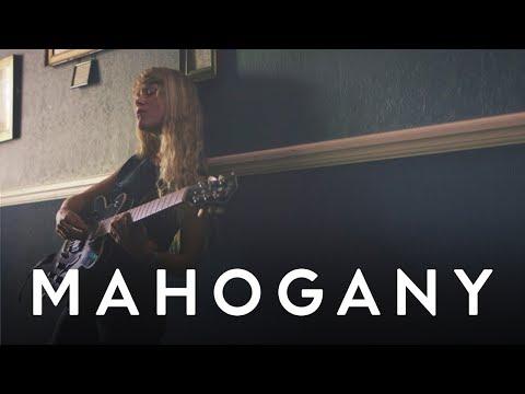Alice Phoebe Lou - Nostalgia   Mahogany Session