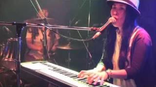 2011.6.7 四谷Outbreak! ギターレス女子3ピースバンドTHREEP復活! ヨウ...