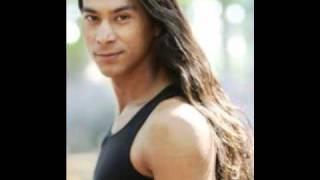 Native American Men so beautiful!!•¨¯`• ♥ •`¯¨•٩(͡๏̯͡๏)۶