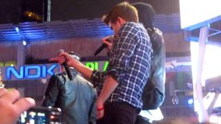 "Midnight Red Performing ""I Knew You Were Trouble"" at the Jingle Ball Village 12/1/2012 (Cover)"