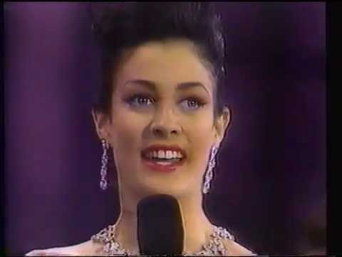 Miss Universo 2017 Uruguay >> Miss Universe 1993: Dayanara Torres. Final questions and return to Puerto Rico - YouTube
