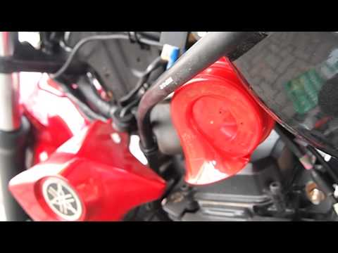Hella™ Red Twin Tone™ on Yamaha FZ16™