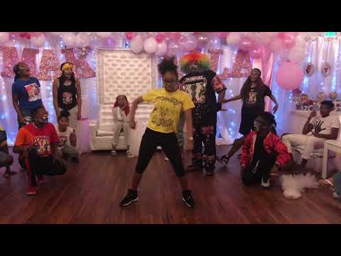 These Clown Dancers CAN'T BE STOPPED! LITTY  TSquadTV  Tommy The Clown