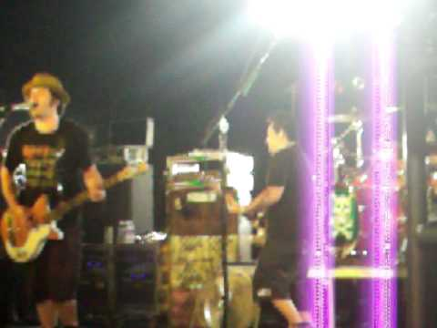 NOFX Bad Religion cover Were only gonna Die live MUSINK festival