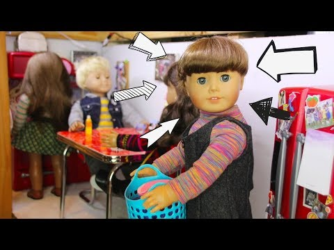 A Day in the Life of Molly McIntire An American Girl Doll Stopmotion
