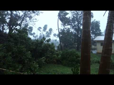 2015-03-14 Cyclone Pam on Tanna - Lowanatom