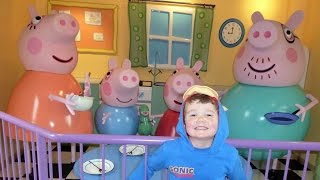 Video Peppa Pig World  ALL RIDES AND ATTRACTIONS at Paultons Theme Park download MP3, 3GP, MP4, WEBM, AVI, FLV Oktober 2018
