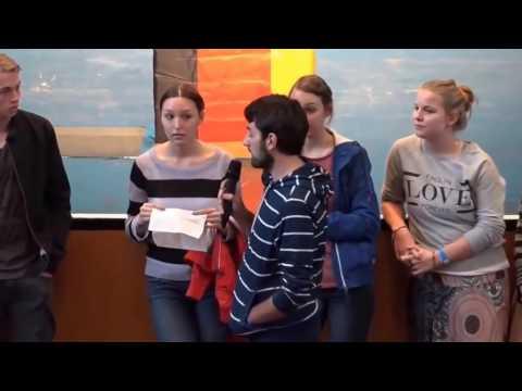 Schüler diskutieren mit Frauke Petry (AfD)