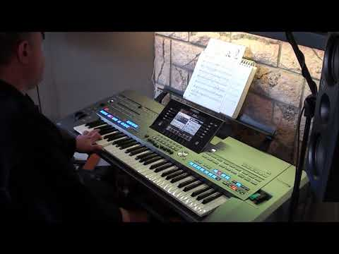 bridge-over-troubled-water---simon-and-garfunkel-(cover-by-dannykey)-on-yamaha-keyboard-tyeos-5