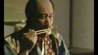 西村雅彦演じる徳川家康の偽物が天ぷらを食べさせられてます。 この怪し...