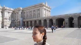 Жизнь в Испании. Королевский дворец в Мадриде.(Видео было снято осенью 2015 года когда мы путешествовали по Испании и были в Мадриде. Посетили Королевский..., 2016-04-29T14:06:05.000Z)