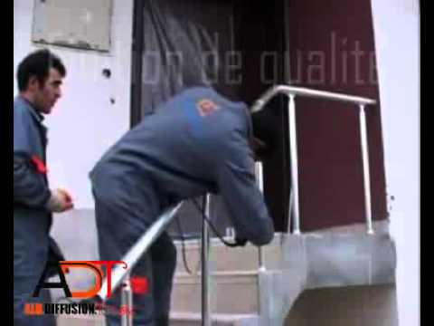 Pose d 39 une rampe d 39 escalier youtube - Escalier exterieur metal leroy merlin ...