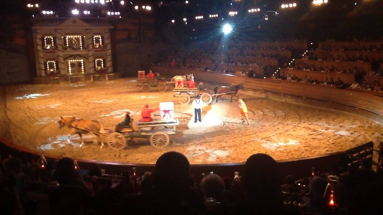 Dixie stampede Christmas show, skeeter plays wagon shuffle - YouTube