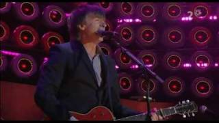 Crowded House - Fall At Your Feet (Live-earth 2007)