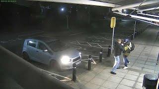 شاهد: رجل مسن يلكم لصا حاول سرقة أمواله