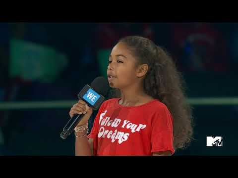 MILLIE DAVIS SPEAKS AND THROWS TO AND ACTION VIDEO  WE DAY TORONTO 2017