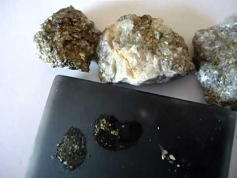 Piedra con oro en bruto como saber la calidad del oro en for Con que se limpia el marmol blanco