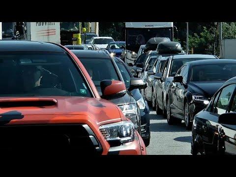 Grecia: tornano di moda le lunghe traversate in auto, complice la paura del covid-19