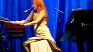Tori Amos - 2009-10-07 - Berlin, Germany - Abnormally Attracted to Sin