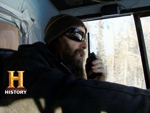 Ice Road Truckers: Ricochet Hill (S8, E10)