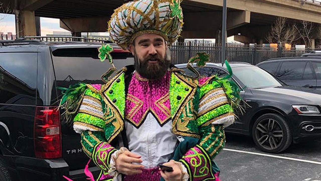 19869abea04987 Jason Kelce Loses His Sh*t During Eagles Championship Parade Speech ...