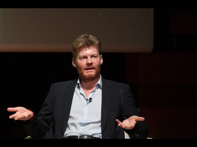 Christian Felber explica la economía del bien común