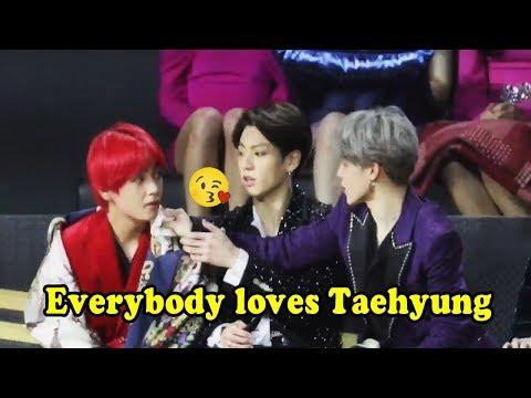 Everybody loves KIM TAEHYUNG (韮滍槙 BTS) so much!