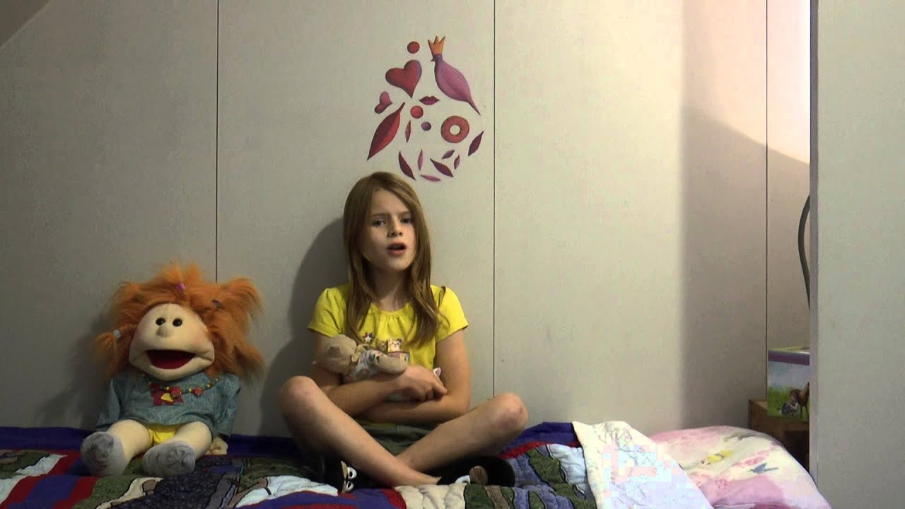 Tomorrow Annie (a capella) by Marjolein(9yo)