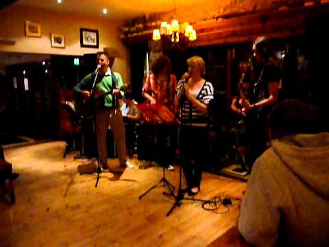 "Hanging around, Stranglers cover by ""Times like These"" featuring Gary Farr, Mevagissey"