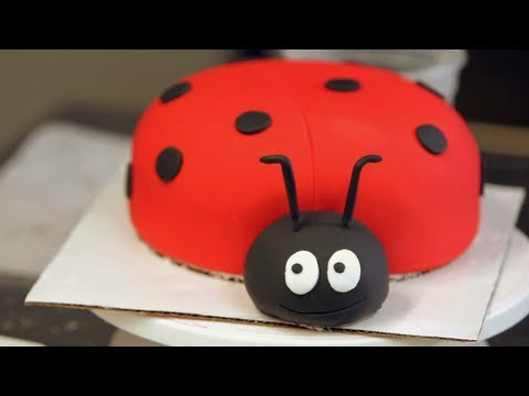 How To Make A Ladybug Out Of Cake