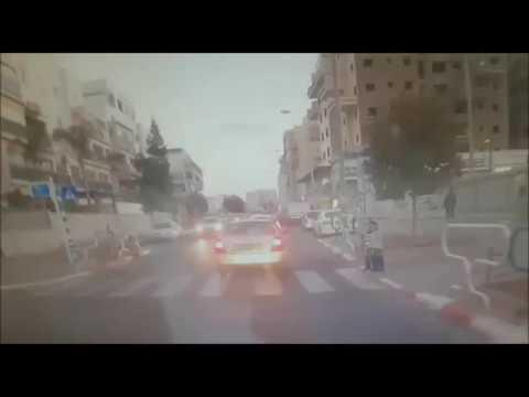 תאונת דרכים - שני ילדים חרדים נדרסים במעבר חציה