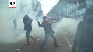 Paris: Day of protests ends in violence
