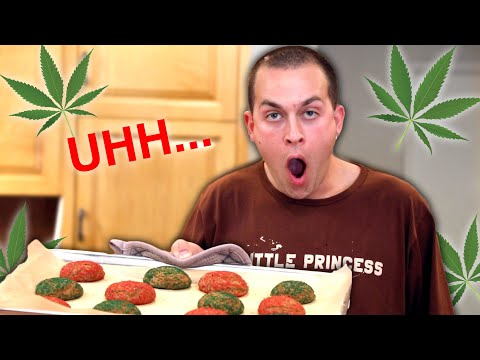 Making Christmas Cookie Edibles - 동영상