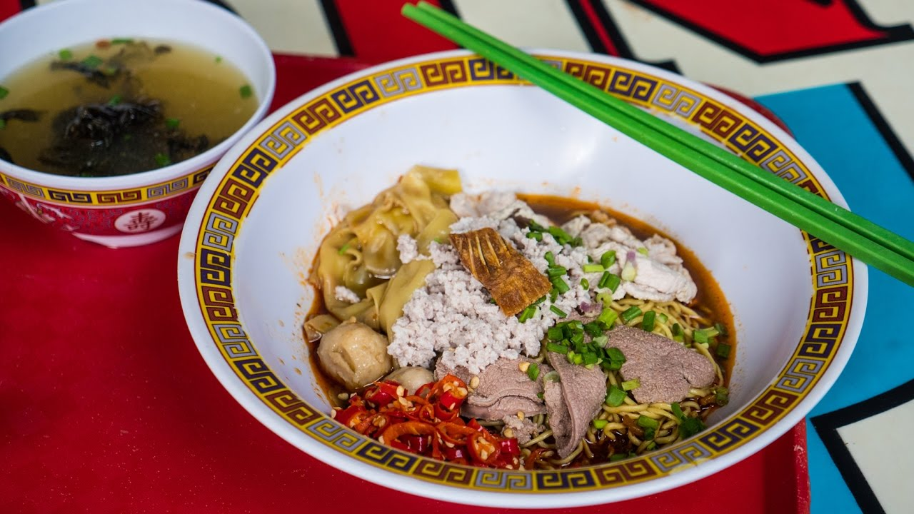 Best Singapore Food - BAK CHOR MEE at Hill Street Tai Hwa Pork Noodles