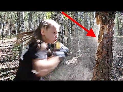 Bu Kız Yumruklarıyla Ağacı Parçalıyor, En Güçlü 4 Çocuk