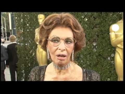 Distanza Di 70 Anni La Rivelazione Chock Di Sophia Loren in addition Eva Di Pierro Sophia Loren additionally Watch moreover Puppies 4 together with Caricatura lorentoto. on sofia loren