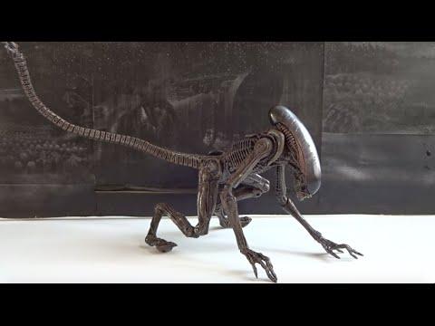 NECA Aliens Series 8 - Dog Alien (Brown version) - Figure review