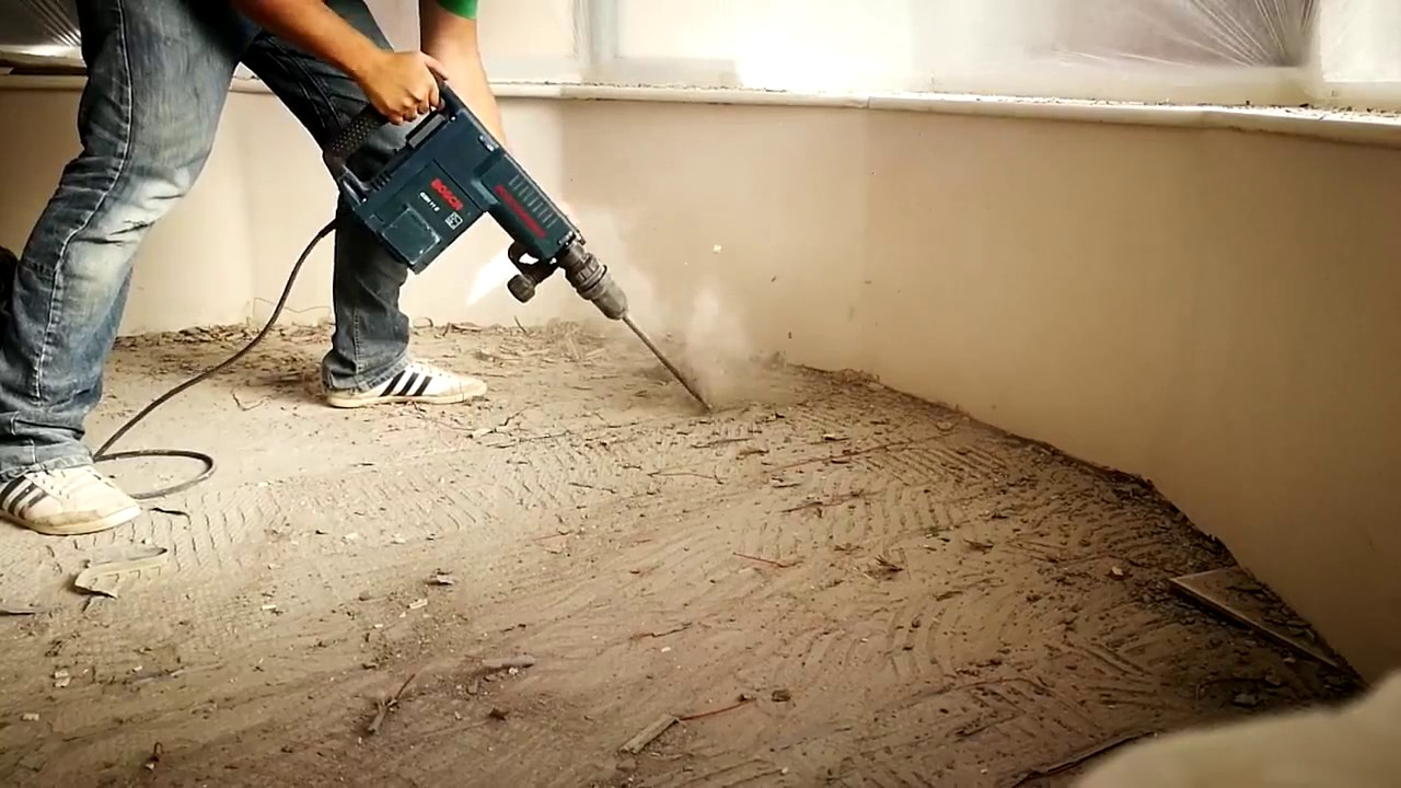 Bosch Gsh 11 E Professional Jack In Action Removing Tile Adhesive