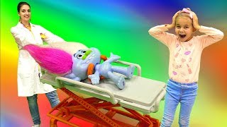Видео игрушки #Тролли 🚑 Скорая Помощь для Алмазика! 🏥 Больница Игра для детей. Лечим #игрушки