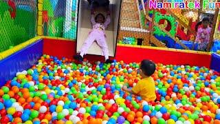 [9.10 MB] SERU! Mainan Anak Perosotan di Kolam Mandi Bola Balls Pit Taman Bermain Anak