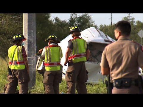 At least 10 dead in Texas migrant van crash