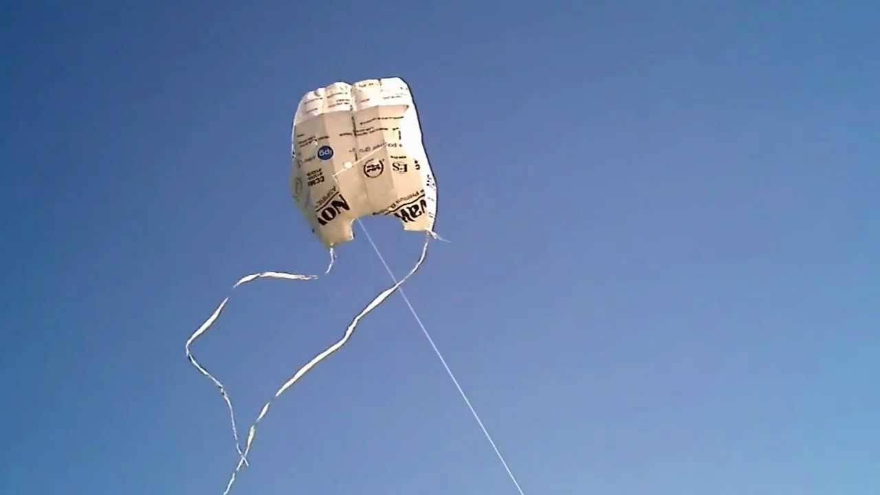 Homemade Kite - out of Tyvek (How to