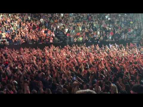 Foo Fighters, Let There Be Rock, AC/DC Cover,  Sacramento 2017