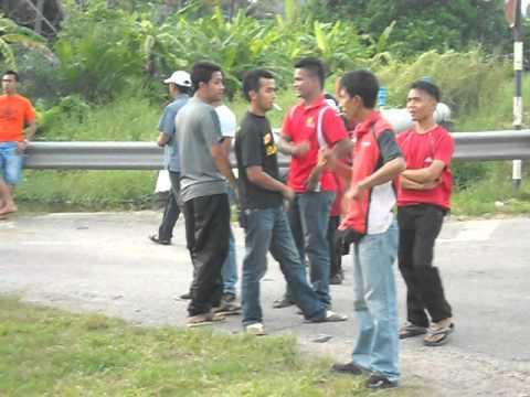 Cai2 UMNO cuba utk robohkn Billboard YB Ng Suee Lim1