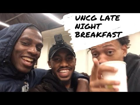 UNCG LATE NIGHT BREAKFAST | COLLEGE VLOG
