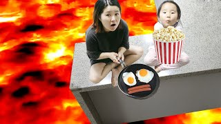 The Floor is Lava with Cooking Food 용암에서 음식 해먹기 요리놀이 리틀조이 LittleJoy