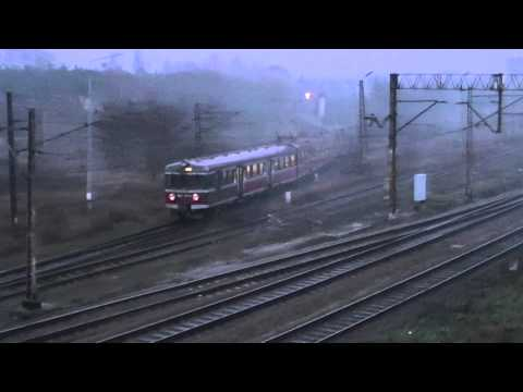 EN57-1074 z pociągiem Regio Barycz relacji Poznań- Wrocław