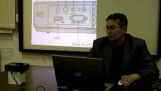 LED проектор (projector) LG HS102G(Видеобзор проектора LG HS102G. Миниатюрный, компактный, при невысокой яркости 160lm способен приемлемо ярко на..., 2009-11-11T10:18:41.000Z)